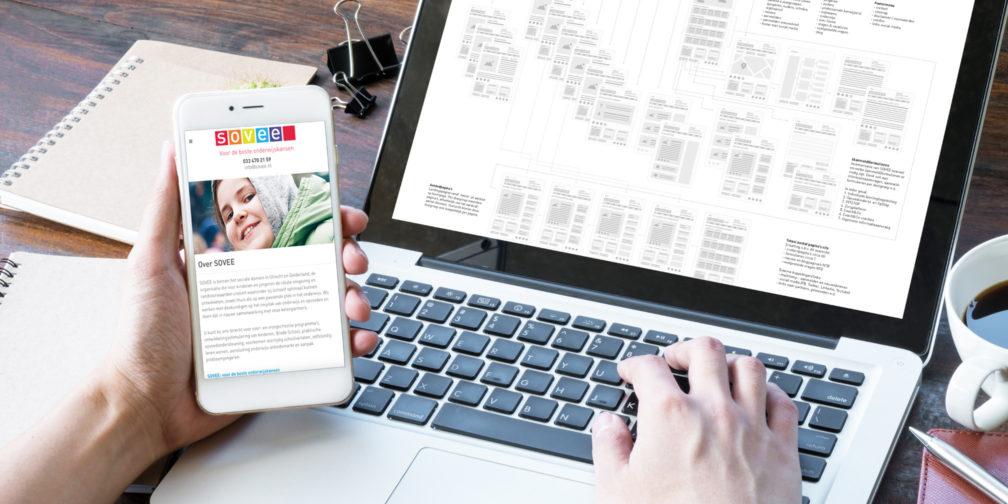 Sovee website header laptop en mobiel